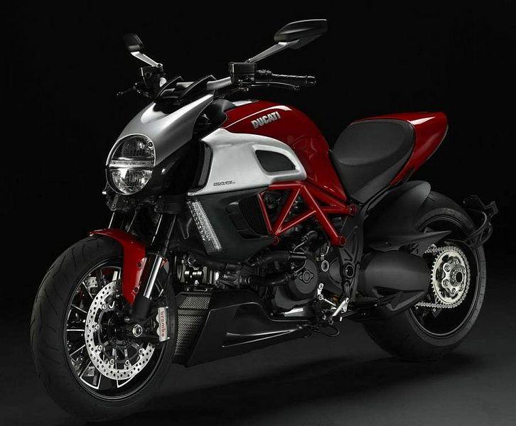 Ducati Diavel (2011)