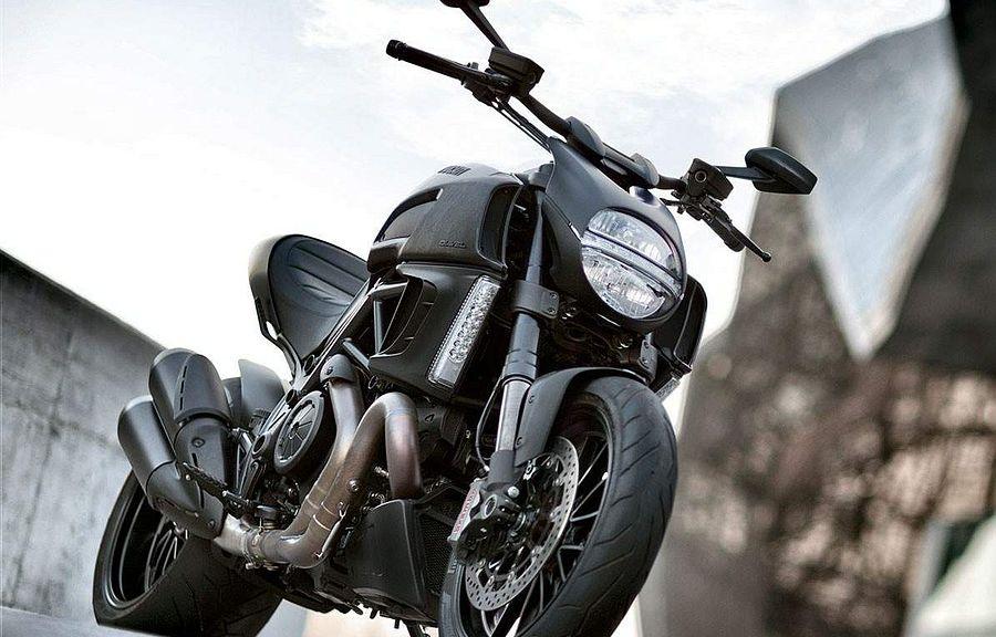 Ducati Diavel Dark (2014)