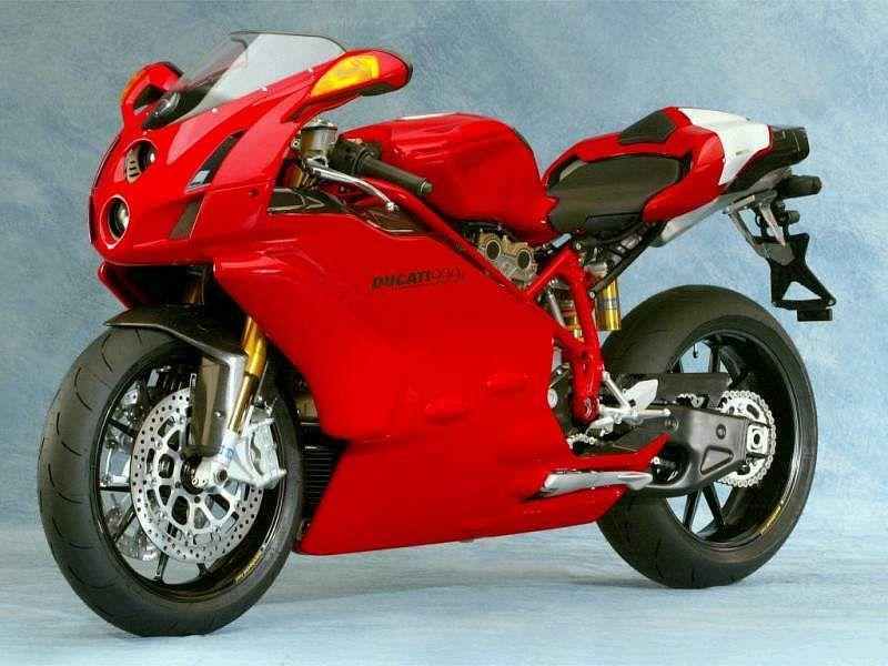 Ducati 999R (2004)