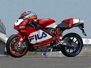 Ducati 999R Fila Toseland (2005)