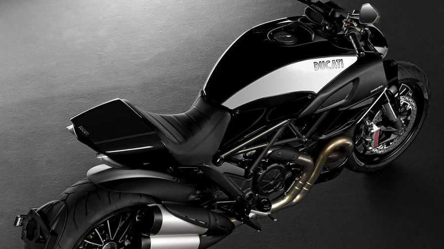Ducati Diavel Cromo Limited Edition (2012)
