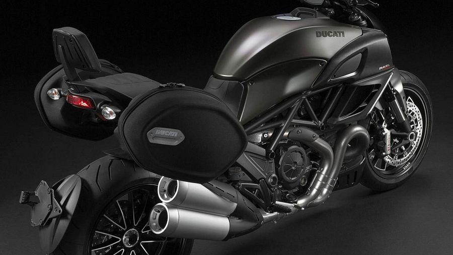 Ducati Diavel Strada (2013)