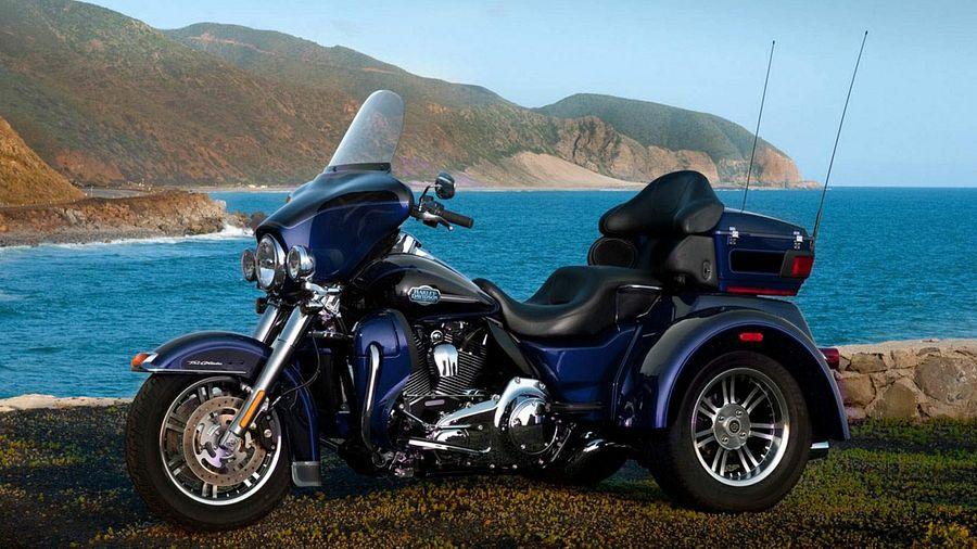 Harley Davidson FLHTCUTG Tri Glide Ultra Classic (2013)