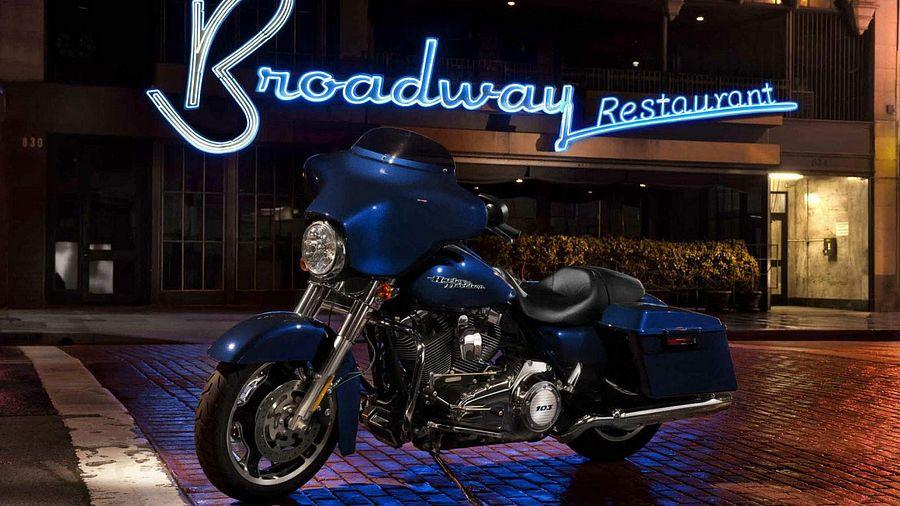 Harley Davidson FLHX Street Glide (2012)