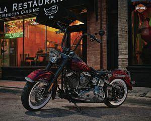 Harley Davidson FLSTN Softail Deluxe (2012)