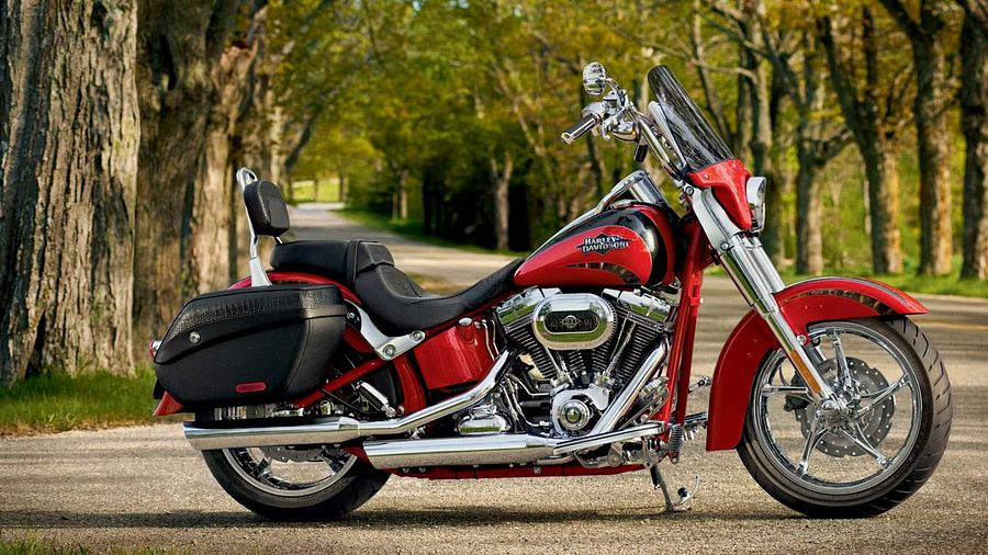Harley Davidson FLSTSE Softail Convertible CVO (2011)