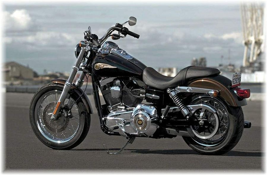 Harley Davidson FXDC Dyna Super Glide Custom 110th