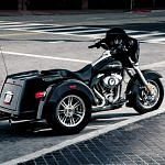 Harley Davidson FLHXXX Street Glide Trike (2011)