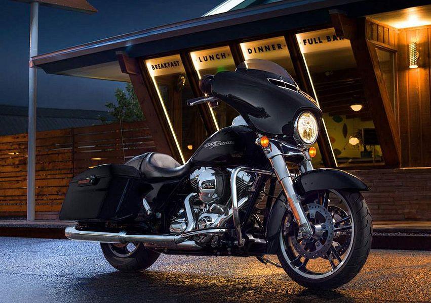 Harley Davidson FLHX Street Glide (2016)