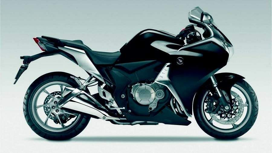 Honda VFR1200 DCT (2011) - MotorcycleSpecifications com