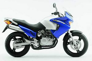 Honda XL125V Veradero (2003-04)