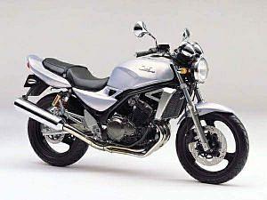 Kawasaki ZR (2000)
