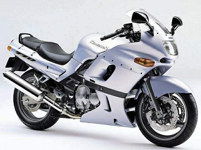 Kawasaki ZZR400 (2002-03)