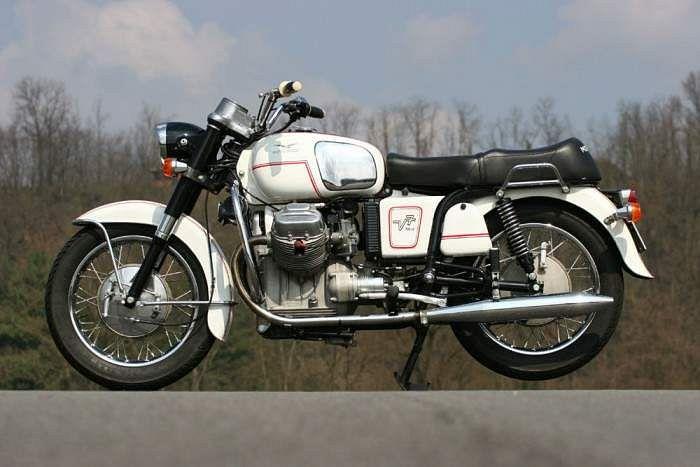 Moto Guzzi V 7 700 (1967-68)