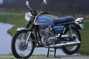 Suzuki TS125 (1971-73) - MotorcycleSpecifications com