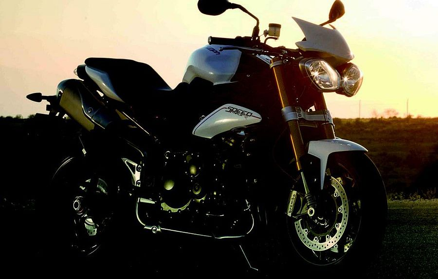 Triumph Speed Triple R (2012)