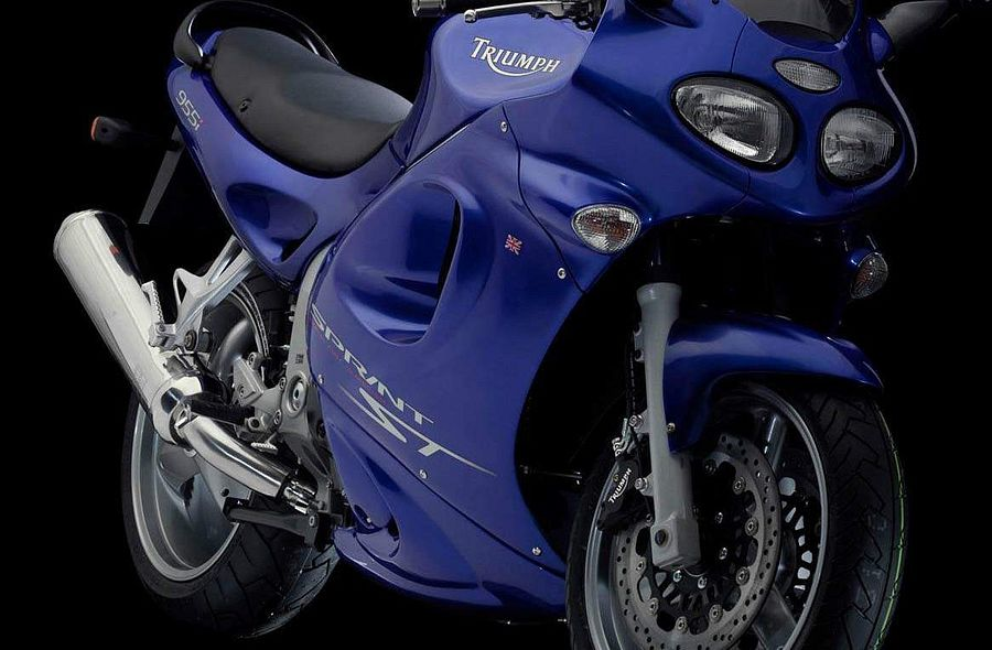Astounding Triumph Sprint St 2004 Motorcyclespecifications Com Cjindustries Chair Design For Home Cjindustriesco