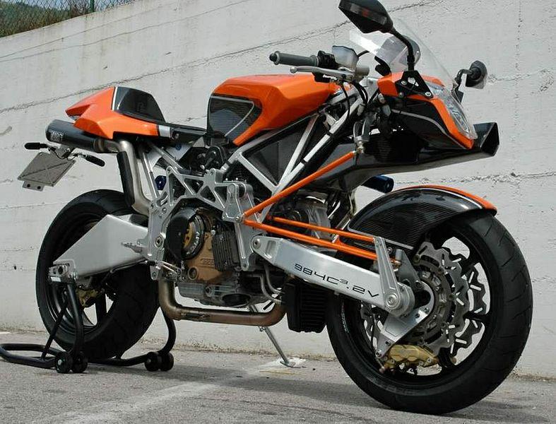 Vyrus 984 C3 4V (2006)