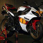 Yamaha R1 (2011)