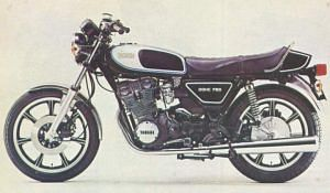 Yamaha XS750 (1977)