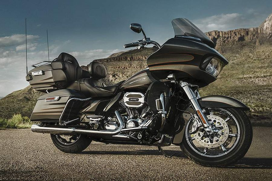 Harley Davidson FLTR Road Glide Ultra CVO (2016)