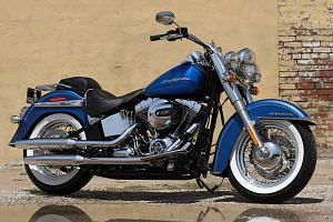 Harley Davidson FLSTN Softail Deluxe (2016-17)