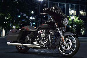 Harley Davidson FLHX Street Glide Special (2016)