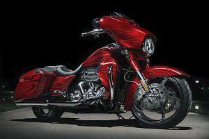 Harley Davidson CVO Street Glide (2016)