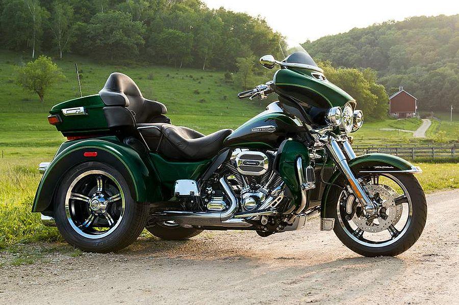 Harley Davidson FLHTCUTG Tri Glide Ultra Classic (2016)