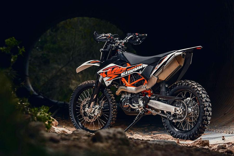 Magnificent Ktm 690 Lc4 Enduro R 2014 15 Motorcyclespecifications Com Cjindustries Chair Design For Home Cjindustriesco
